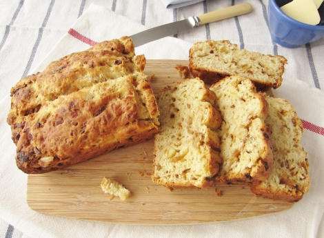 Wensleydale and Balsamic Onion Bread LS